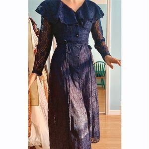 NWT Vintage Lace Caped Dress Set